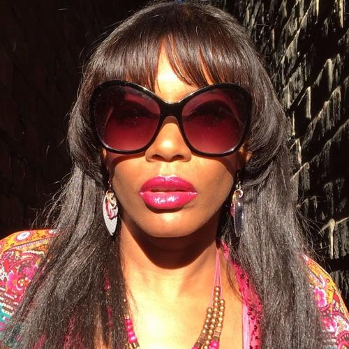 Minnie Dee's avatar