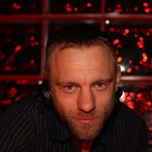 Lars DJ-alGee Gansauge's avatar