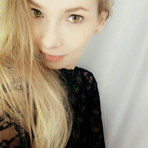 Hitomi Kiss's avatar