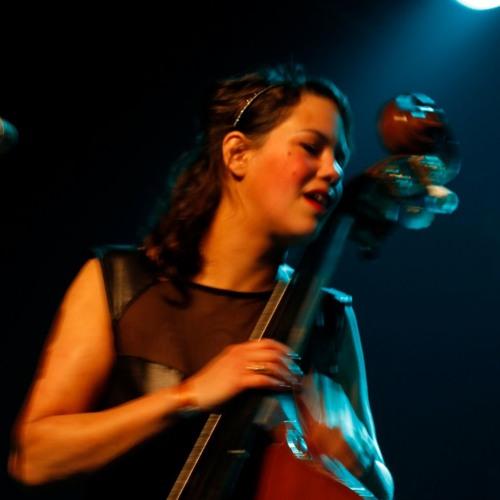 IRIS ROMEN's avatar