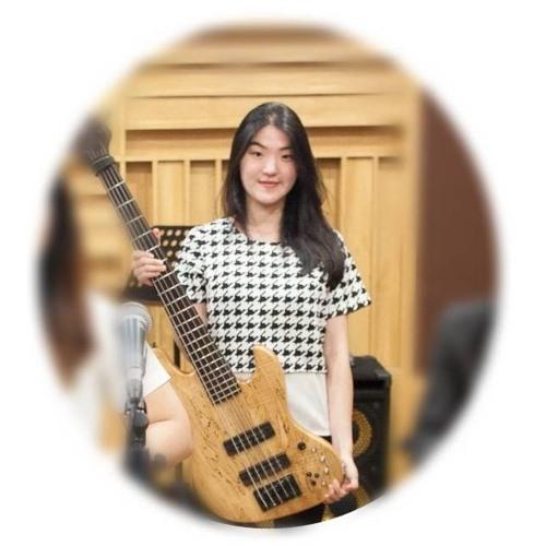 Novia Arifin's avatar
