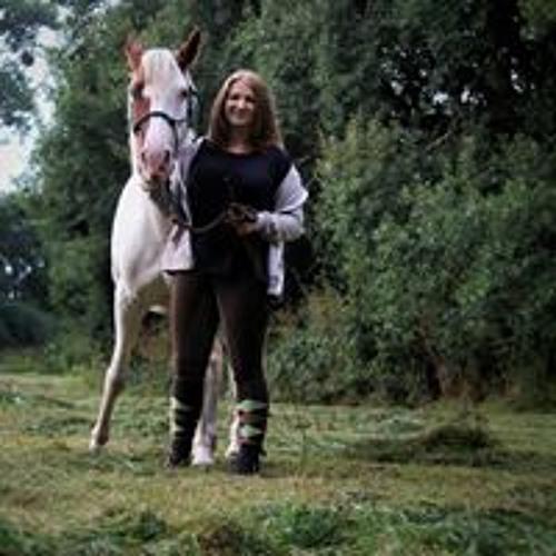 Nina Konze's avatar