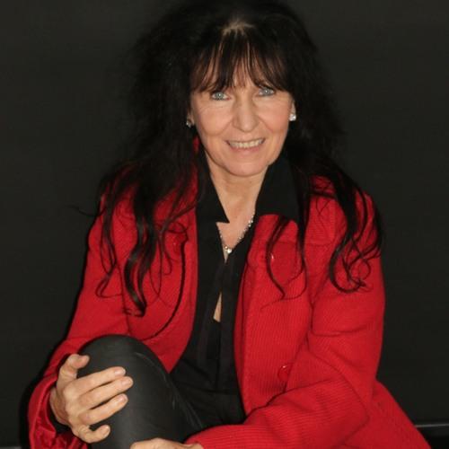 Loz-Ann McCarthy's avatar