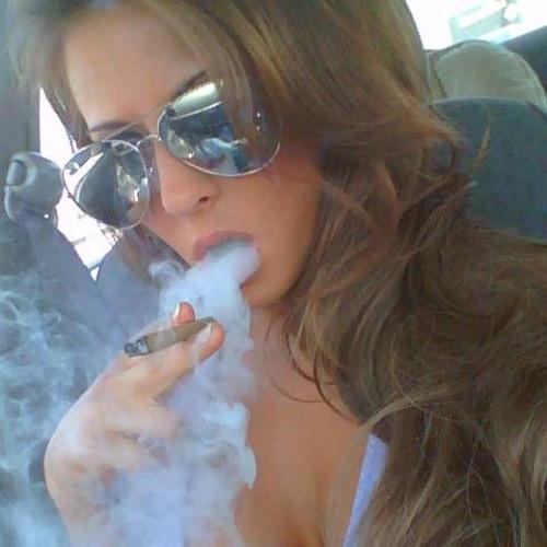 Mia_smokenchill's avatar