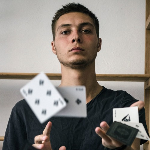 Anatoliy Bortnovskiy's avatar