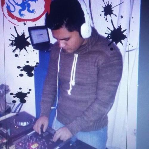 DJ poli's avatar