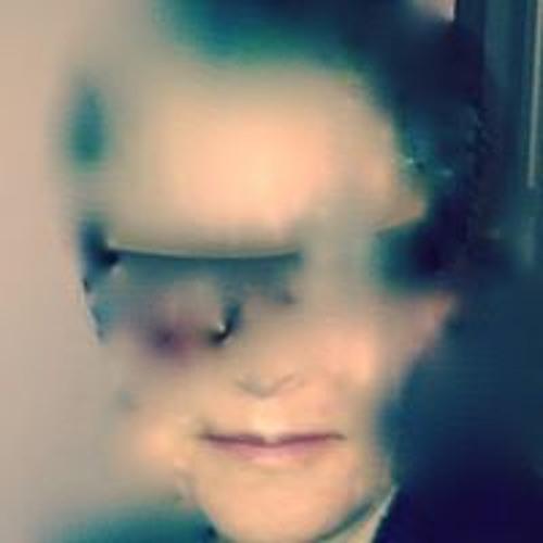Mary Von Bloom's avatar