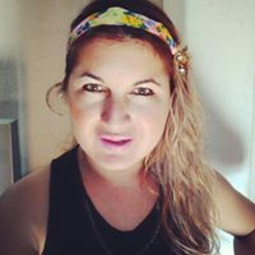 Lady Charis's avatar