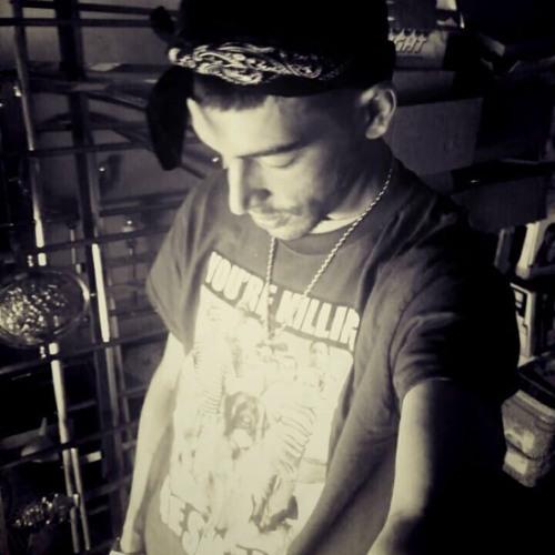 MJ Mic Pics's avatar