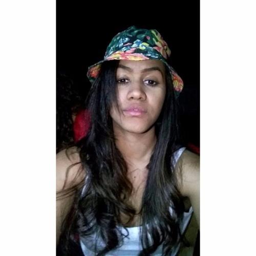 Vitoria Caroline 21's avatar