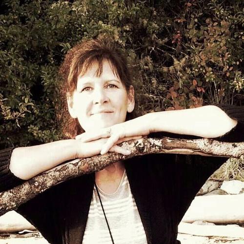 Christine Bayens's avatar