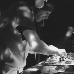 Richie Q (Untitled Techno *Live* on techno.FM)