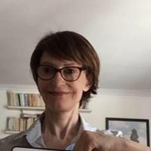 Caroline Raymond's avatar