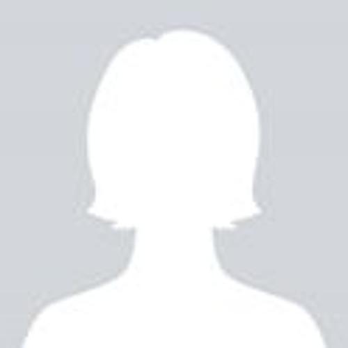 Julia Tavares's avatar