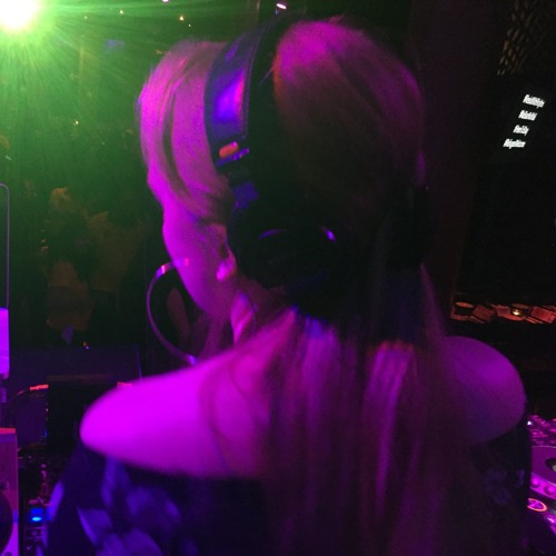 DJ PETRA's avatar