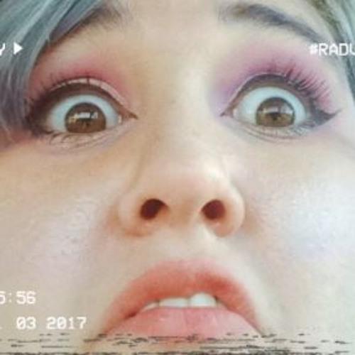 Alice ReddQueen Roberts's avatar