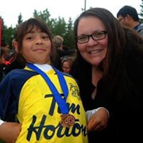 Holly Logan's avatar