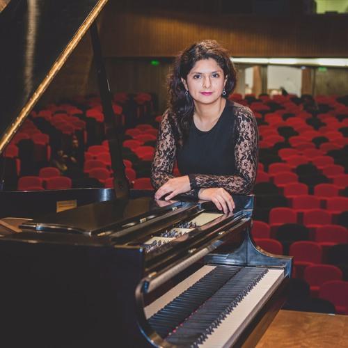 Cristina Lorena's avatar