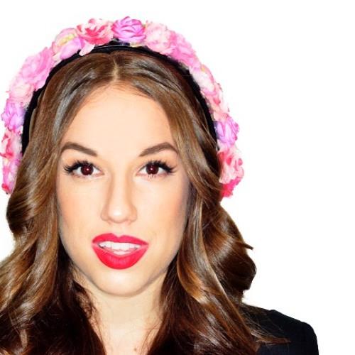 Nicole Rosé's avatar