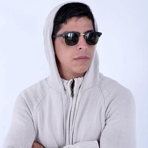 Marlon Merlim's avatar