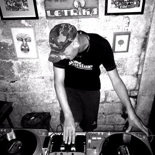 DJ Orangeyellow / http://djorangeyellow.me/'s avatar