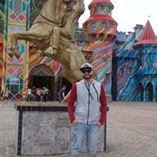 Gustavo Reis's avatar