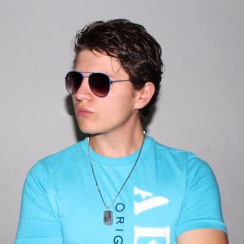 Carlos On's avatar