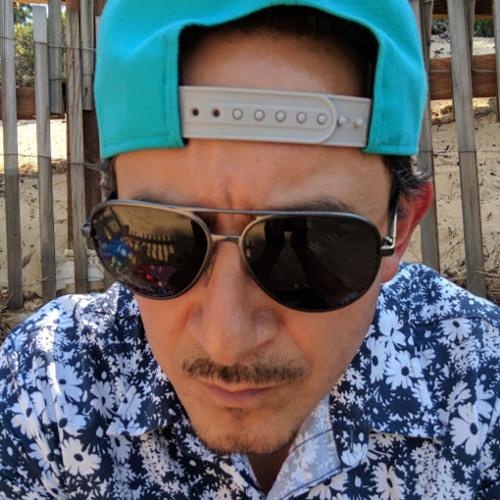 Lucio Cortez's avatar