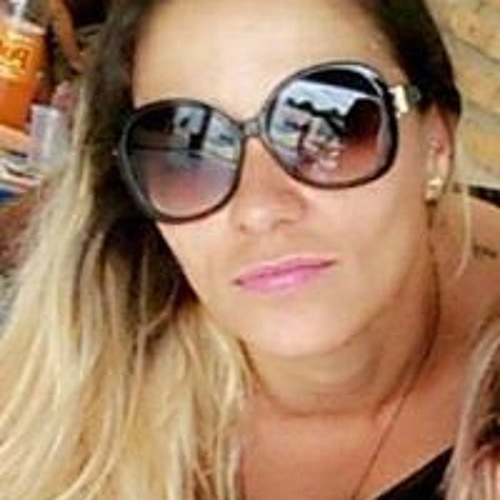 Vanessa Costa's avatar