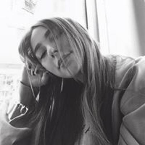 Léa Renée's avatar