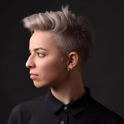 Elyze (Elise Cociuban)'s avatar