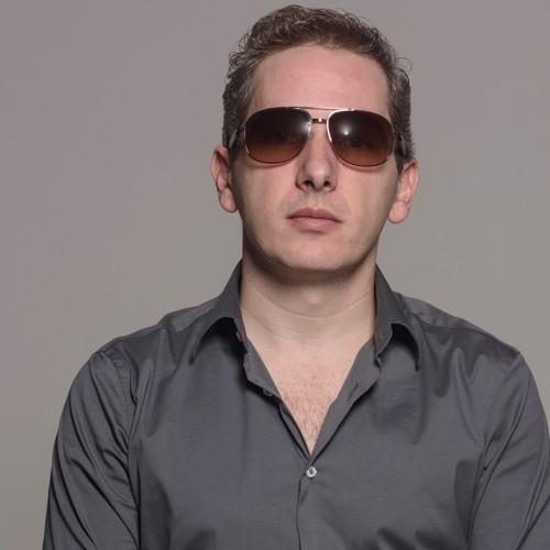 DJ Younis's avatar