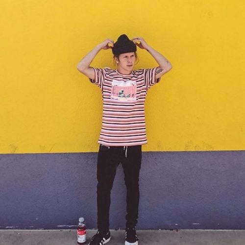 Noah Wood$'s avatar