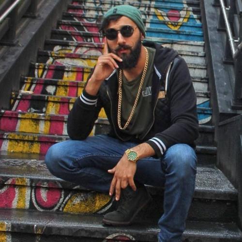 Zohab Zee Khan's avatar