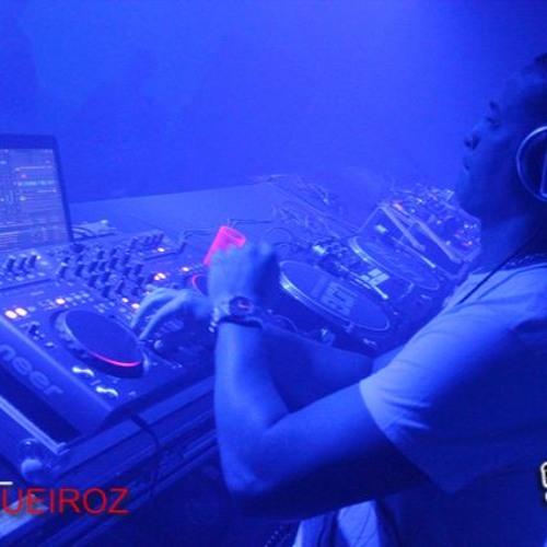 DJ Duarte's avatar