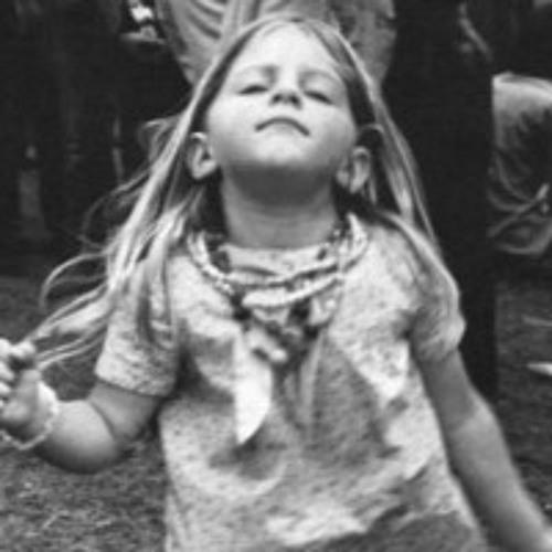 Laura Vinyl's avatar
