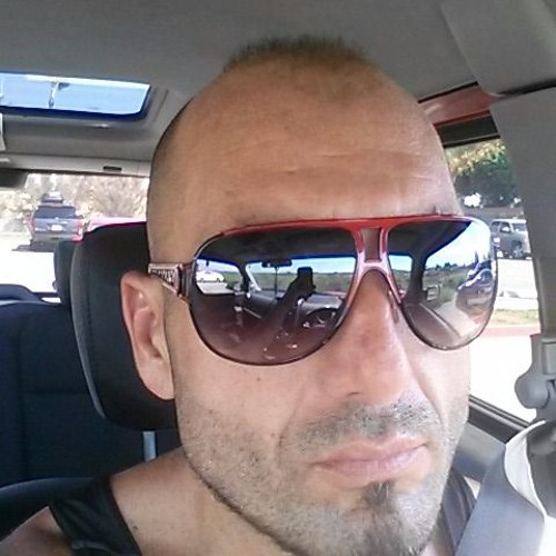 martin majer's avatar