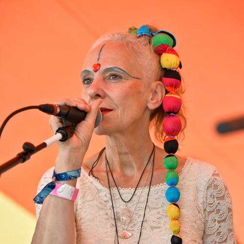 Viola Livera's avatar