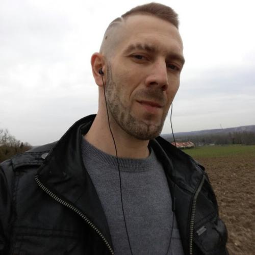Tomsnir Lakhdarien's avatar