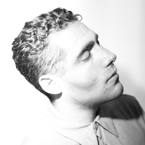 Aria Rostami's avatar