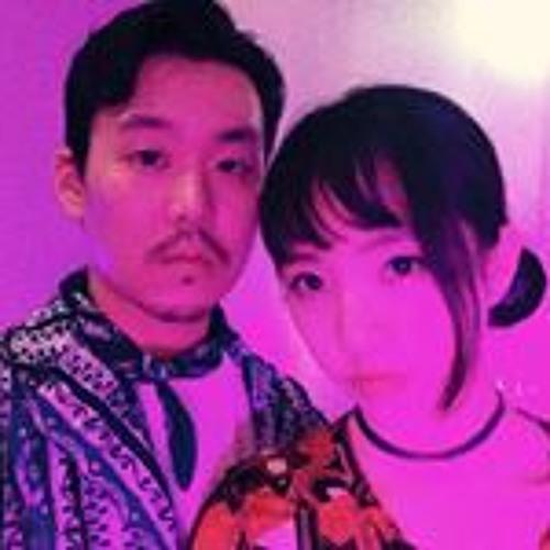 Park  Jihee's avatar
