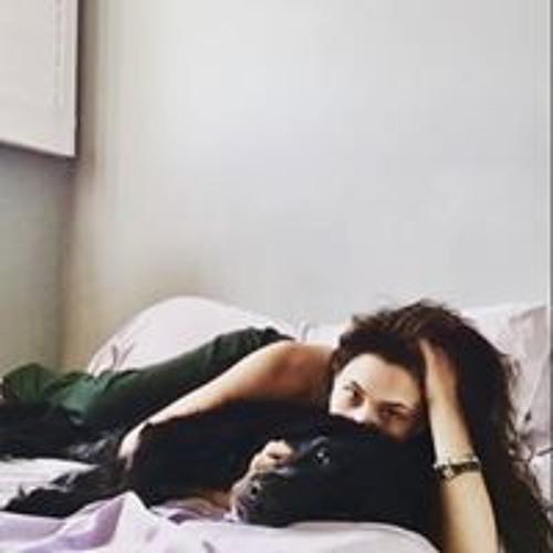 Michelle Vukobrat's avatar