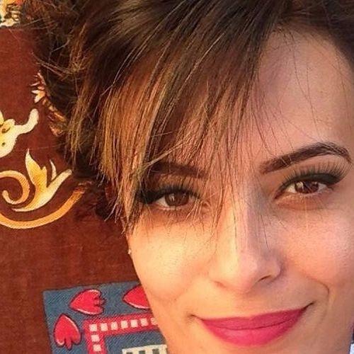 Lorrana Gonçalves's avatar