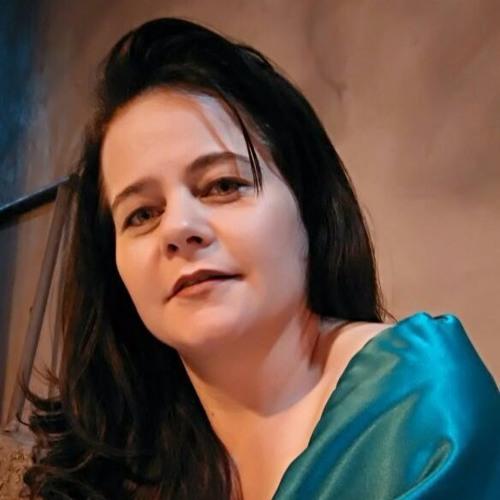 Eleni Inacio's avatar