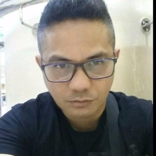 Dereck Mercado's avatar