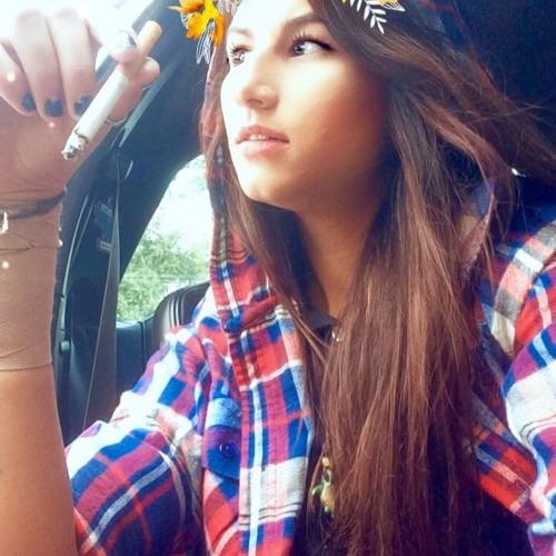 Ilona'$cL0uDdd's avatar