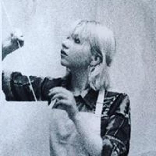 Bella Biddle's avatar