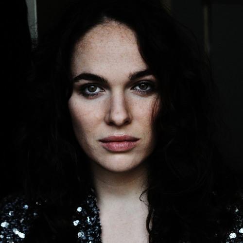 Verena Altenberger's avatar