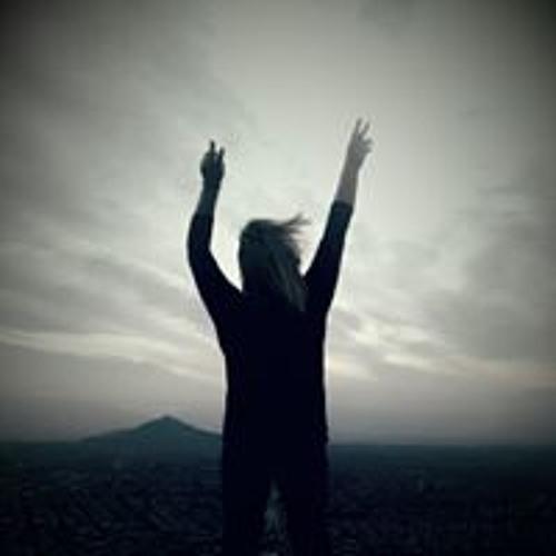 Tania Loreto's avatar