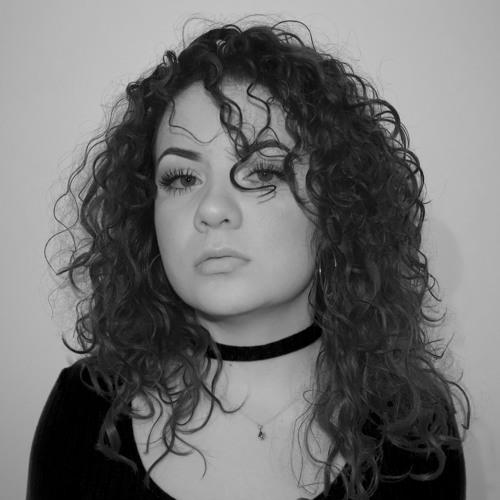 Giselle Santoya's avatar
